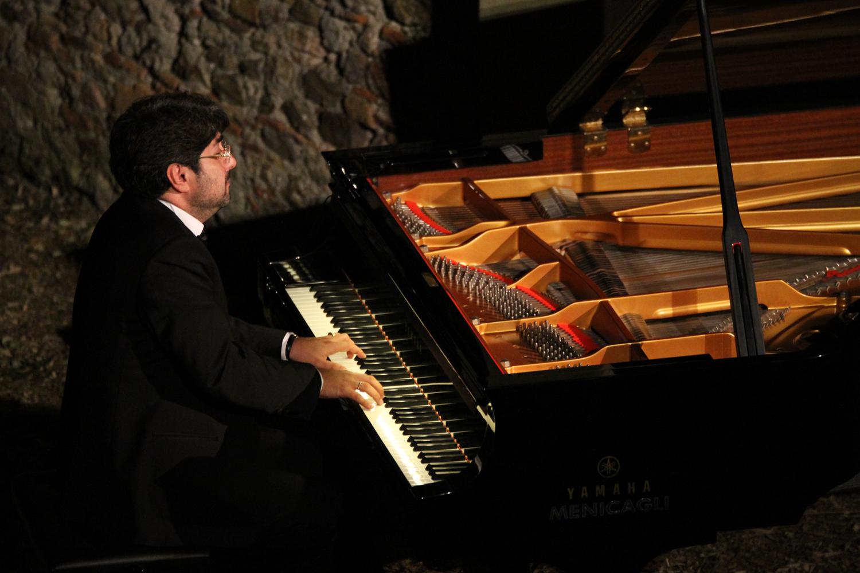 I Virtuosi Del Pianoforte Rivivono Tra Le Dita Di Albert Mamriev